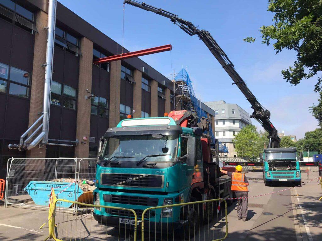 Mb Crane Hire Working Alongside Poole Boat Transport At Bournemouth University Edit